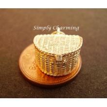 Fishing Basket Opening 9ct Gold Charm
