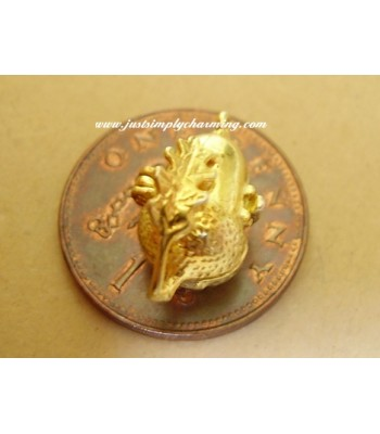 18ct 18k Gold Acorn - Squirrel Opening Charm