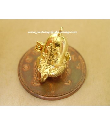 9ct 9k Gold Acorn squirrel Opening Charm