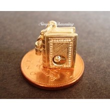 Bookworm Opening 9ct Gold Charm