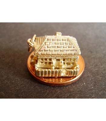 Country Cottage Opening 14ct Gold Charm