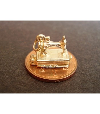 Sewing Machine Opening 9ct Gold Charm