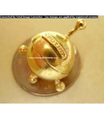 9ct 9k Gold Opening Sputnik - Laika Dog Charm