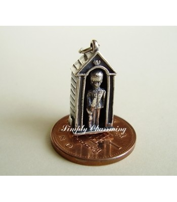 Guard in Sentry Box Sterling Silver charm